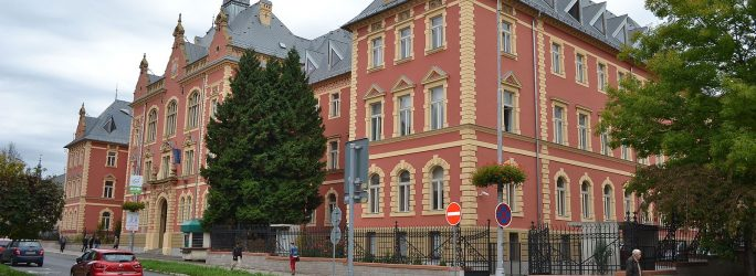 Banská_Bystrica_-_ul._D._Skuteckého_7_-_pam._súd